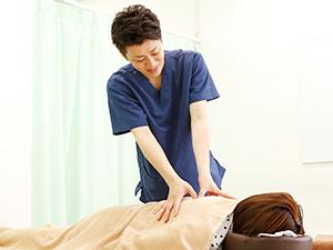 肩甲骨の施術